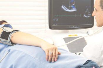 monitoreo de presion, pruebas de esfuerzo, Clinica de cardiologia Cardiologo en Quetzaltenango Cardiólogo Doctor Xela problemas del corazón médico del corazon Centro cardiológico examen del corazón